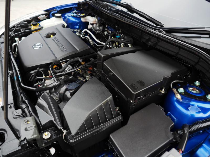 MAZDA Mazda3 2.0Maxx TOP 2012